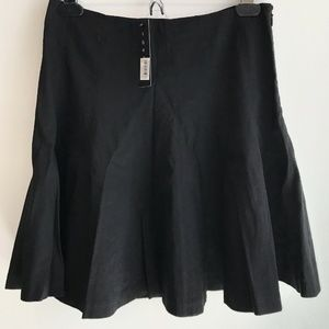 NWT sz 2 Theory Black Pleated Eliza Short Skirt